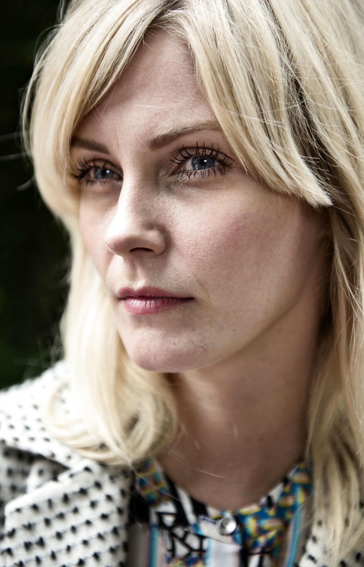 Mette Lindberg fortæller, at det bestemt ikke er for tøsedrenge at være dommer i 'X Factor'.