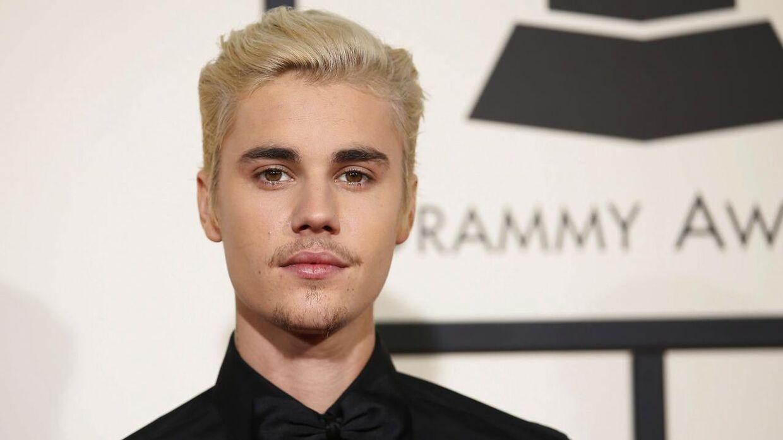 Justin Bieber er blevet storebror. REUTERS/Danny Moloshok