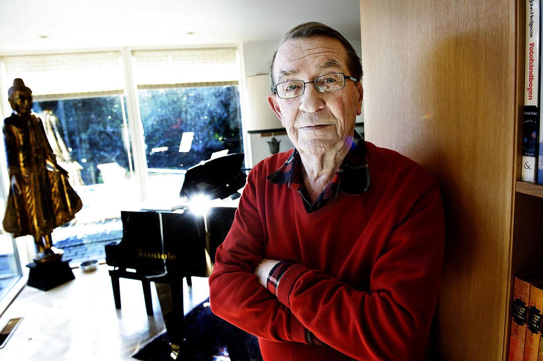 Den folkekære forfatter, digter, komponist og pianist Benny Andersen er død.