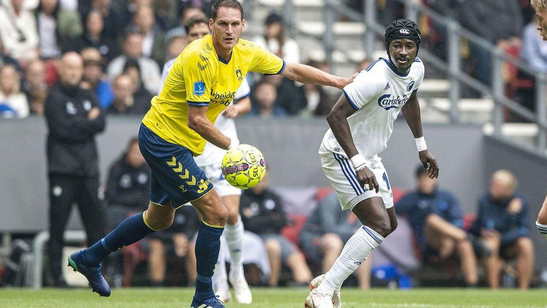 Benedikt Röcker (tv.) spillede kampen i Parken mod F.C. København den 12. august men var ikke med torsdag aften mod Subotica.
