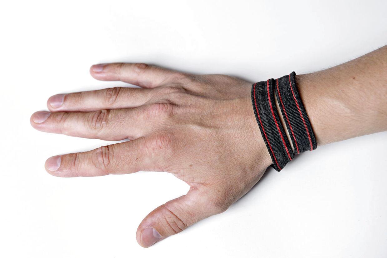 Overtro var en del af hverdagen som udsendt i Afghanistan. Stropperne her blev eksempelvis brugt som armbånd og lykkeamulet. For ingen, der bar dem, blev dræbt.