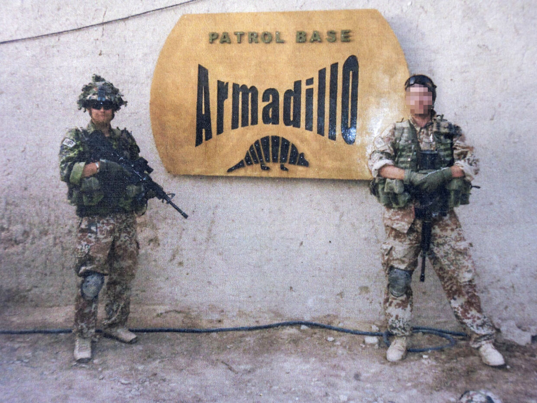 Martin Vad, befalingsmand i militærpolitiet, foran Armadillo-lejren. (PRIVATFOTO)