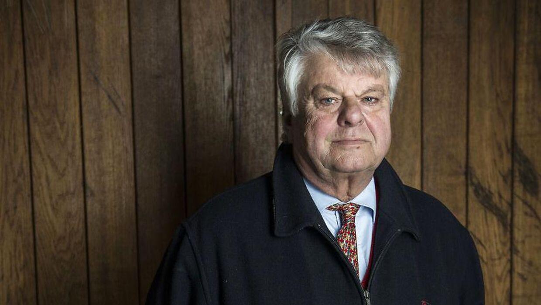 Den 75-årige milliardær og hofjægermester ønsker ikke at udtale sig til B.T. om episden lørdag formiddag med to trafikofficials under cykelløbet Sorgenfriløbet tæt på hans landsted Sandbjerggård i Nordsjælland.