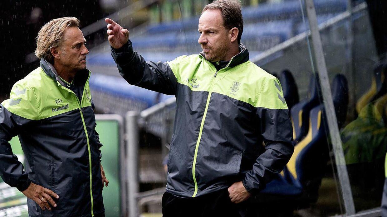Lars Høgh (tv.) er målmandstræner i Brøndby.