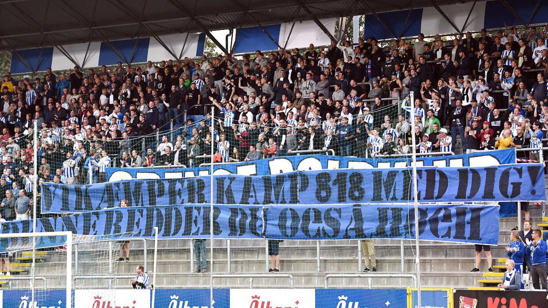 Det var dette banner, der blev vist frem i Odense søndag aften.