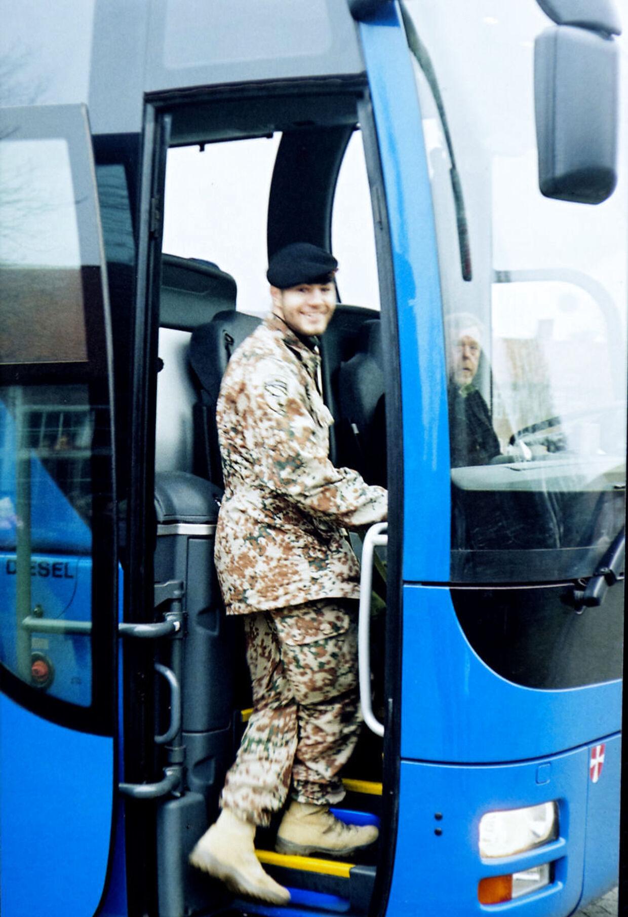 Sådan så han ud, Casper Olsen, da hans forældre vinkede farvel før afrejsen fra Danmark i februar 2008. Dén Casper får de aldrig igen. (PRIVATFOTO)