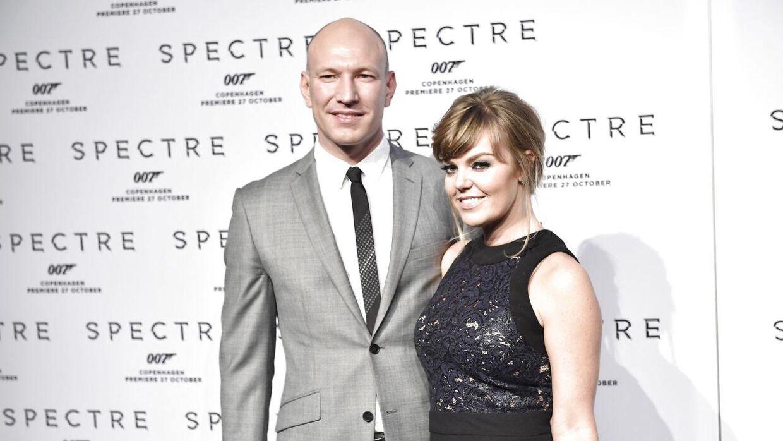 Lina Rafn har dannet par med Kasper Pertho siden 1998. Sammen fik de datteren Karmen i 2010.