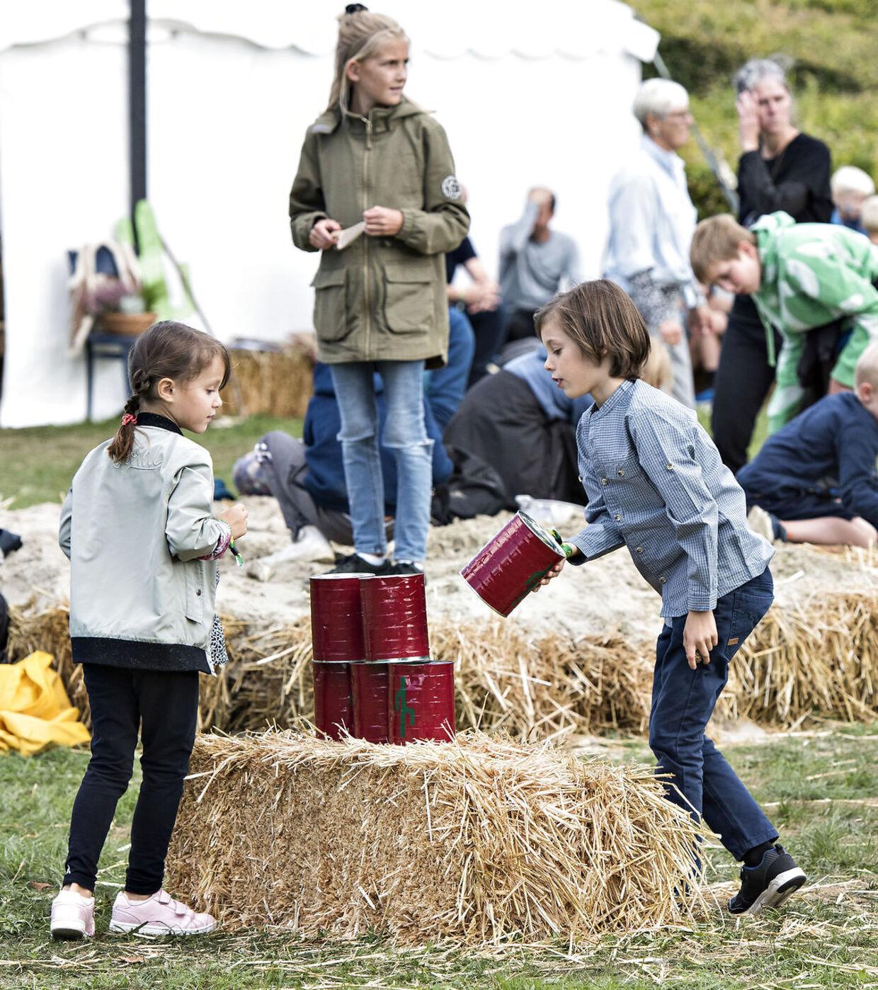 Prinsesse Marie, Prins Joachim med børnene Prinsesse Athena og Prins Henrik besøger Tønder Festivalen fredag 24. august 2018.