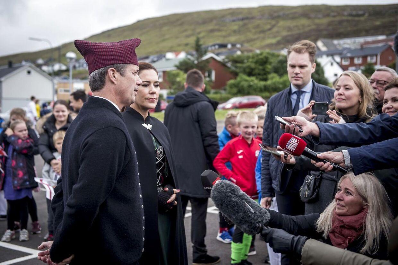 Kronprins Frederik og kronprinsesse Mary gav lørdag interview til den danske presse i forbindelse med deres officielle besøg på Færøerne.