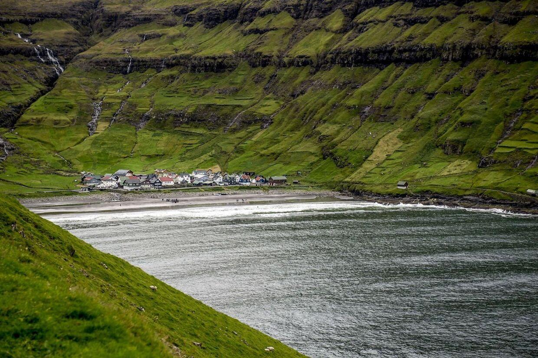 Udsigt over bygden Tjørnuvik, som kronprinsparret besøgte lørdag.