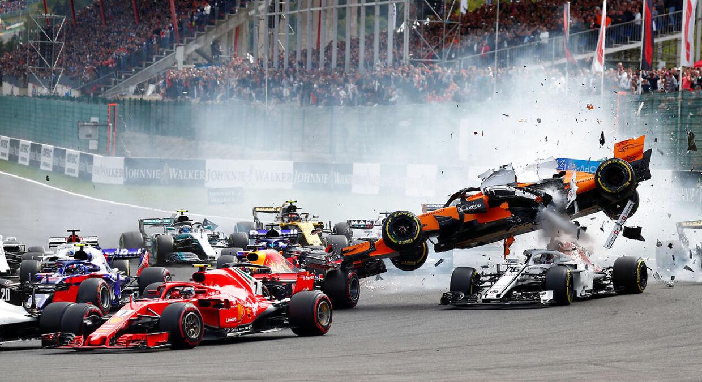 Nico Hülkenberg bankede op bag Fernando Alonso, og så var der ellers ballade. (REUTERS/Francois Lenoir)