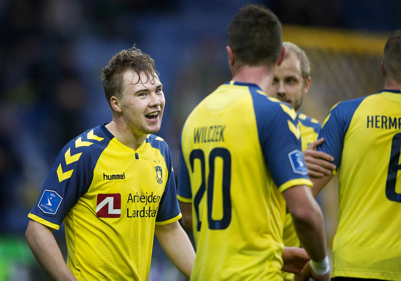 Der kommer flere bud på Simon Tibbling fra FC Midtjylland de kommende dage.