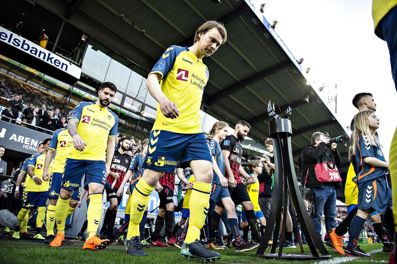 Sagen om Simon Tibbling (billedet) har skabt kold luft mellem Brøndby og FC Midtjylland.