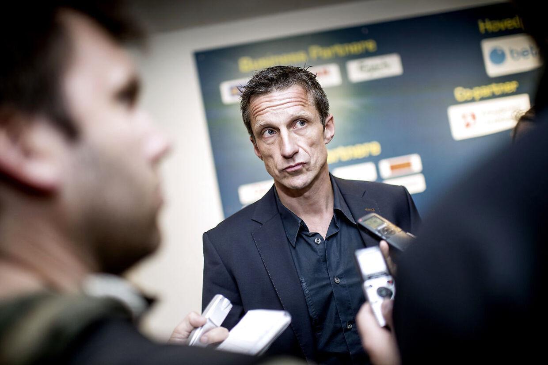 Brøndbys sportsdirektør Troels Bech er alt andet end tilfreds med FC Midtjyllands ageren.