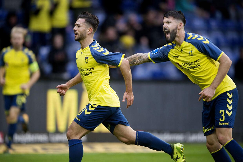 Brøndbys Besar Halimi til 1-1 i superligakampen mellem Brøndby-Silkeborg på Brøndby Stadion.. (Foto: Liselotte Sabroe/Scanpix 2017)