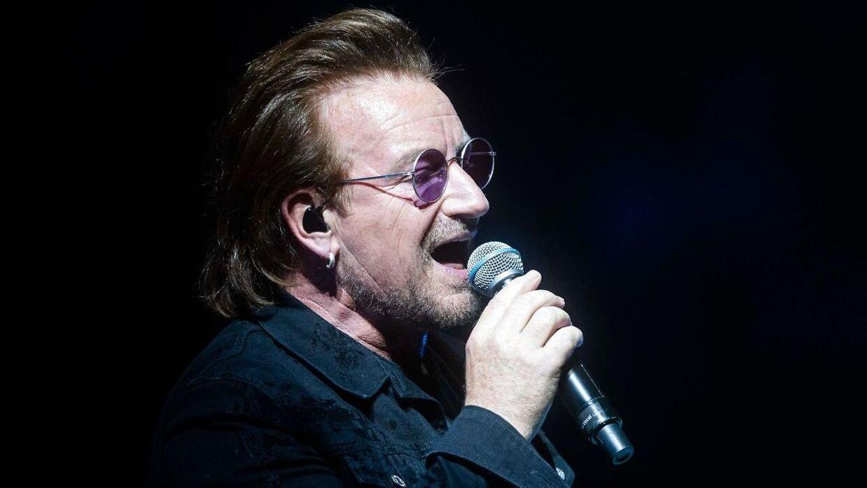 Forsangeren i U2, 'Bono', på scenen i Berlin 31. august 2018.