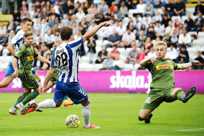 OB tager hjemme imod FC Nordsjælland. Anders K. Jacobsen forsøger skuddet. Odense, søndag d. 2/9 2018.