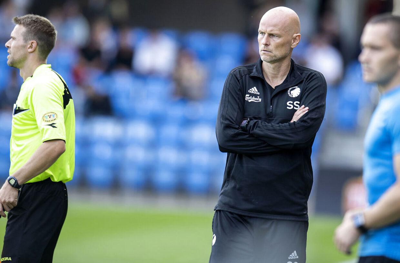 FCKs manager Ståle Solbakken under kampen mod Esbjerg.