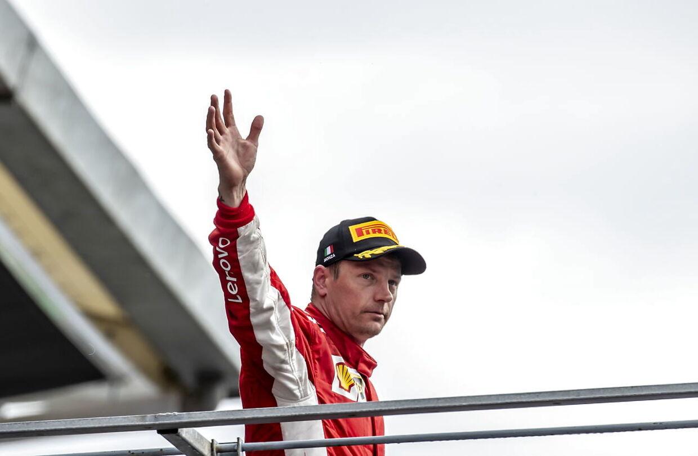Kimi Räikkönen blive ifølge flere medier droppet til fordel for unge Charles Leclerc hos Ferrari i 2019. (EPA/SRDJAN SUKI)