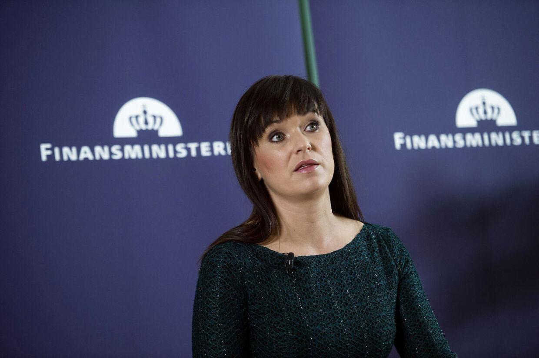 Efter godt to års arbejde ventes innovationsminister Sophie Løhde (V) tirsdag at fremlægge den såkaldte sammenhængsreform eller dele af den.