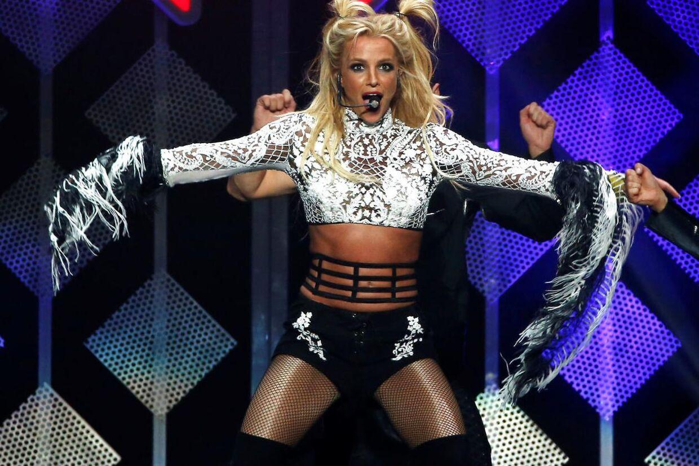 Det kan godt være svært at huske, hvor man befinder sig, når turnéen er langt. Det kan Britney Spears nu skrive under på.