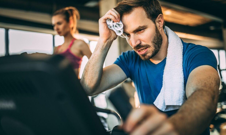 Hvis du oplever lette smerter, er det vigtigt, at du bevæger dig, da det kan hjælpe dig ud af smerten. Arkivfoto: Scanpix
