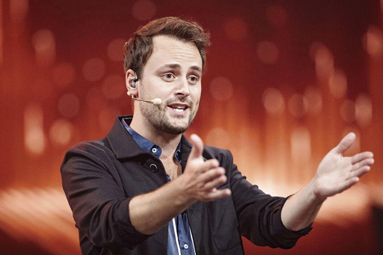 Kristian Gintber er vært på 'Live!'.