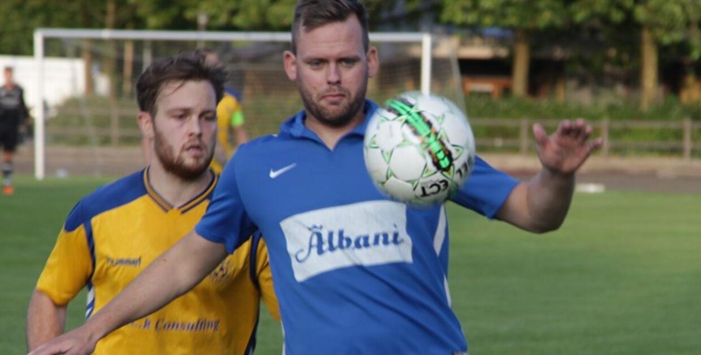 Kevin Jørgensen spiller til daglig udendørs fodbold i Ringe Boldklub i serie 1, hvor han har sin spillerlicens. I futsal-sæsonen stiller han op for Jægersborg. Foto: Ringe Boldklub