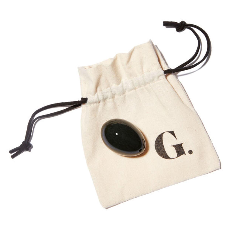 Dette yoni-æg er blandt de produkter, der har ført til, at Gwyneth Paltrows selskab må betale knap en million kroner i et forlig. Foto: Goop
