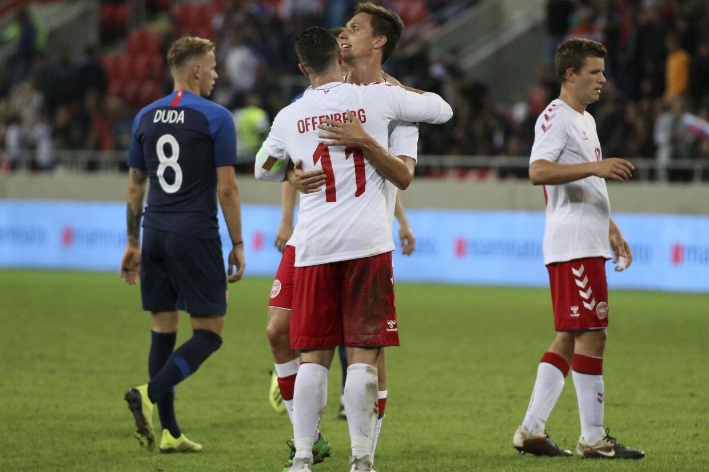 Spillere fra den danske 2. division udgjorde stammen på det danske fodboldlandshold, der onsdag tabte 0-3 i Slovakiet. Ronald Zak/Ritzau Scanpix