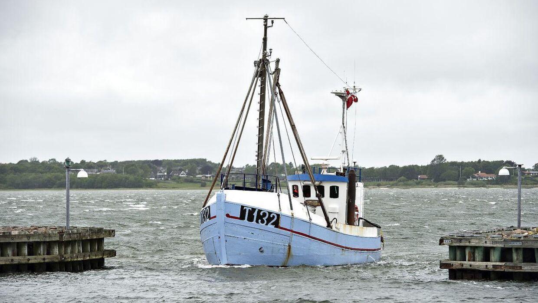 Arkivfoto af fiskekutter.