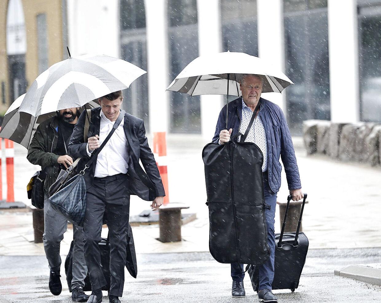 Jon Dahl Thomasson og Åge Hareide ankommer til Aarhus.