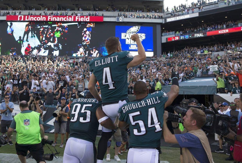 Mychal Kendricks (nr. 95), Jake Elliott (nr. 4) og Kamu Grugier-Hill (nr. 54) efter Super Bowl-sejren.