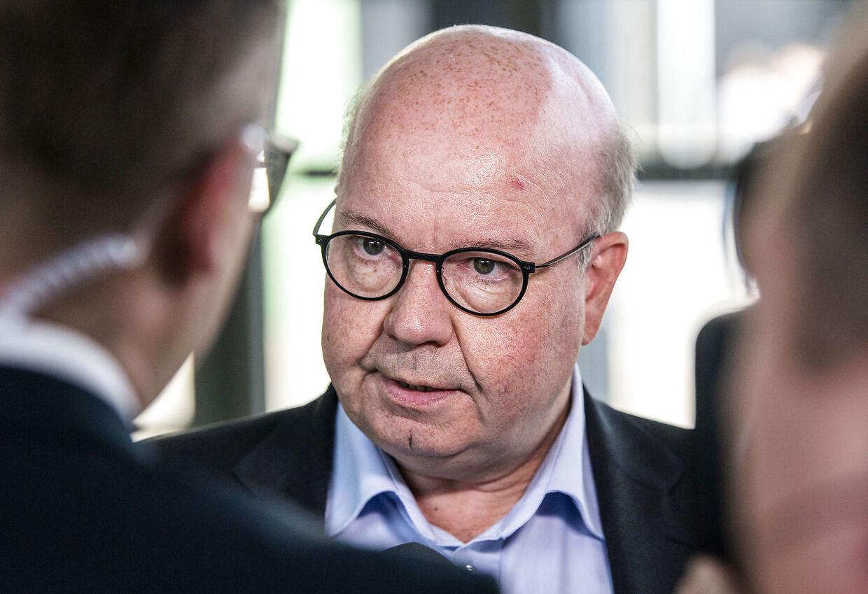 DBUs formand Jesper Møller var i 2015 med til at skrive under på landsholdsaftalen.