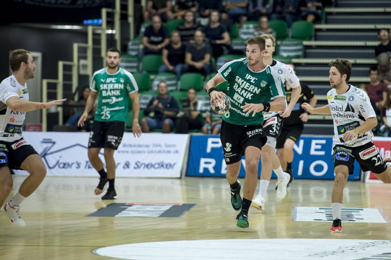 Bjarte Myrhol og Skjern Håndbold - her i aktion i kampen mod Mors-Thy Håndbold - vandt lørdag ude over Bjerringbro-Silkeborg. Jørgen Kirk/arkiv/Ritzau Scanpix