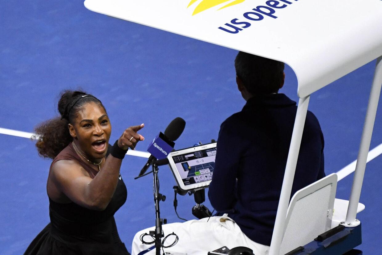 Bølgerne gik højt mellem Serena Williams og kampens dommer, Carlos Ramos, under lørdagens finale ved US Open. Danielle Parhizkaran/Ritzau Scanpix