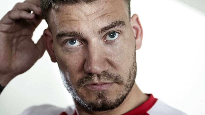 Fodboldspilleren Nicklas Bendtner er anmeldt for vold efter en episode med en taxachauffør natten til søndag.