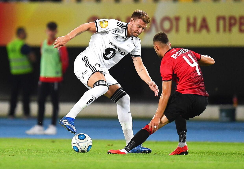 Nicklas Bendtner skal stille til træning i Rosenborg i morgen.