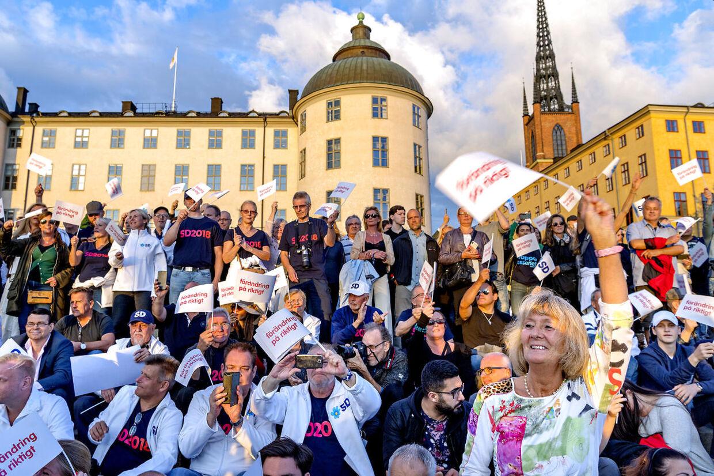 Jimmie Åkesson fra Sverigedemokraterna holder den sidste tale på det sidste valgmøde i Stockholm aftenen inden det svenske valg søndag d. 9. september 2018.