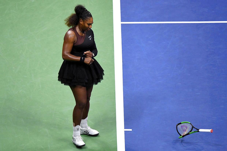 Blandt andet måtte en ketsjer lade livet for en frustreret Serena Williams' aggressioner.