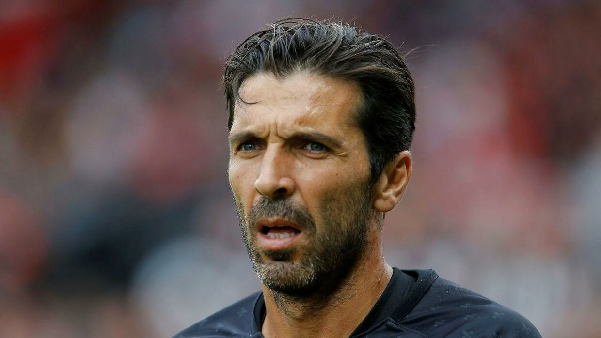 Gianluigi Buffon er ikke sikker på at spille i Paris Saint-Germain.