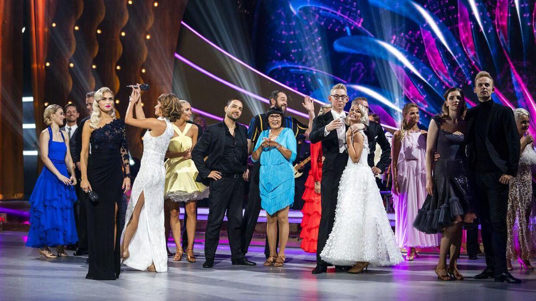 Næsten en million danskere så med, da Sarah Grünewald og Christiane Schaumburg-Müller bød indenfor til 15. sæson af 'Vild med dans' fredag aften.