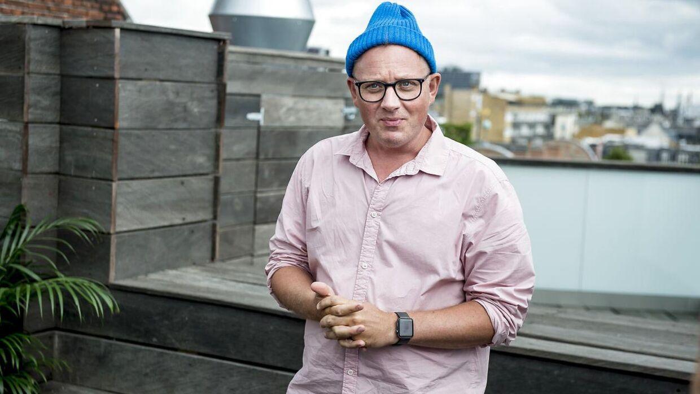 Efter 10 år i spidsen for 'X Factor' har DR's underholdningschef' Jan Lagermand Lundme' nu ansvaret for det nye fredagsprogram 'Live' med Sanne Salomonsen og Lina Rafn som dommere.