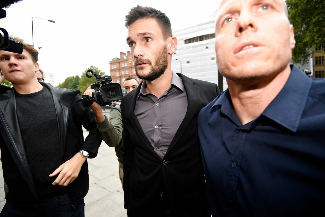 Hugo Lloris ankommer til Westminster Magistrates Court i London onsdag formiddag.