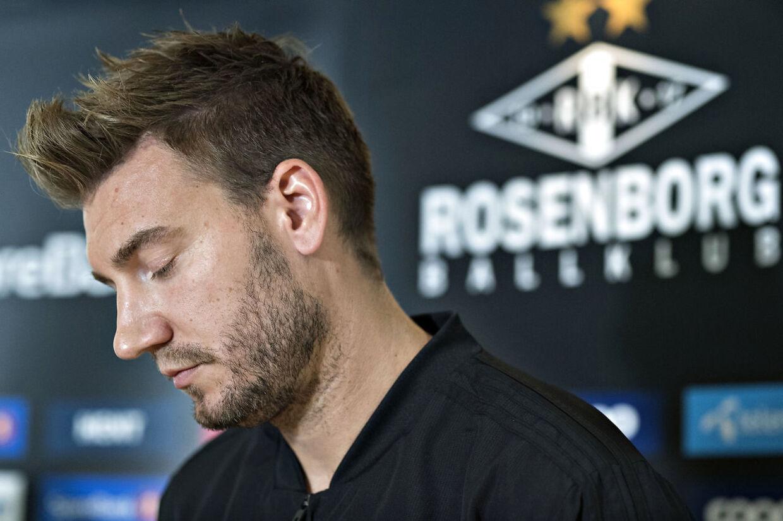Nicklas Bendtner gav sine korte version af sagen på et pressemøde tirsdag.