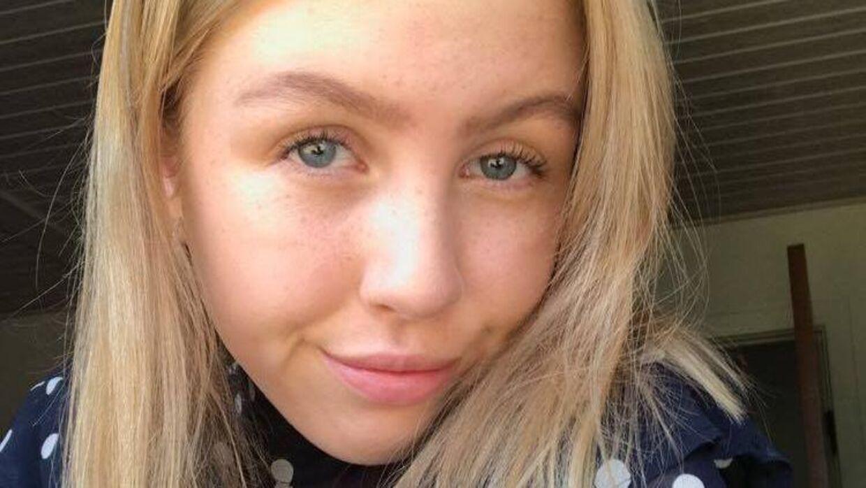 Sofie Broløs er 16 år og er før sommerferien gået ud af Herfølge Skole, hvor hun og klasse nominerede flere lærere til årets 'Ring, når jeg fylder 18.' Privatfoto