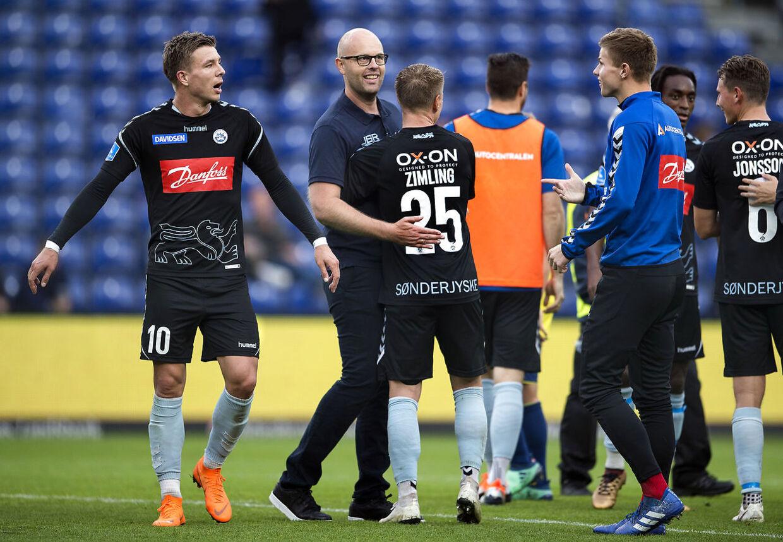 SønderjyskEs cheftræner Claus Nørgaard, Mart Lieder g Niki Zimling efter Superligakamp mellem Brøndby-SønderjyskE på Brøndby Stadion søndag den 16 september 2018. (Foto: Liselotte Sabroe/Scanpix 2018)