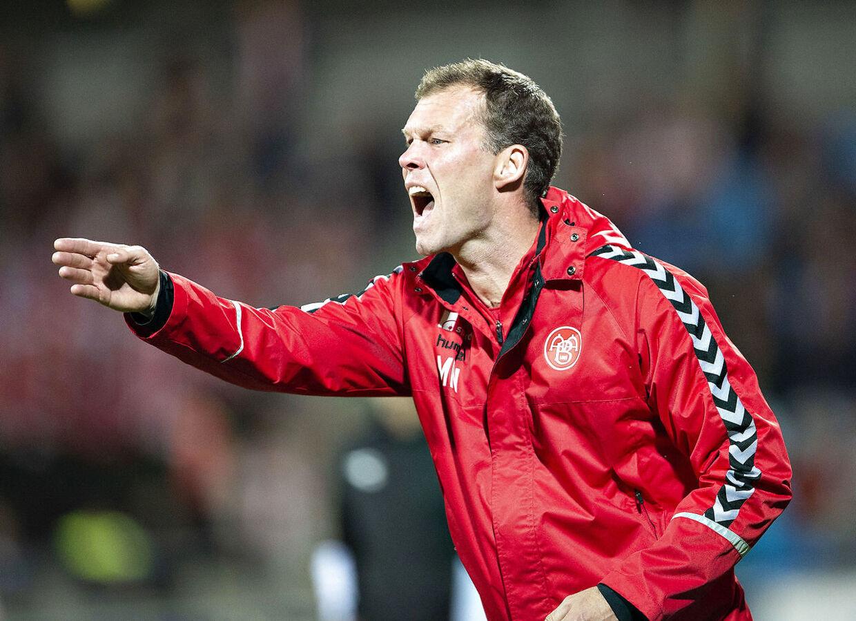AaB's cheftræner Morten Wieghorst i Superliga-kampen mellem AaB og Vejle Boldklub.