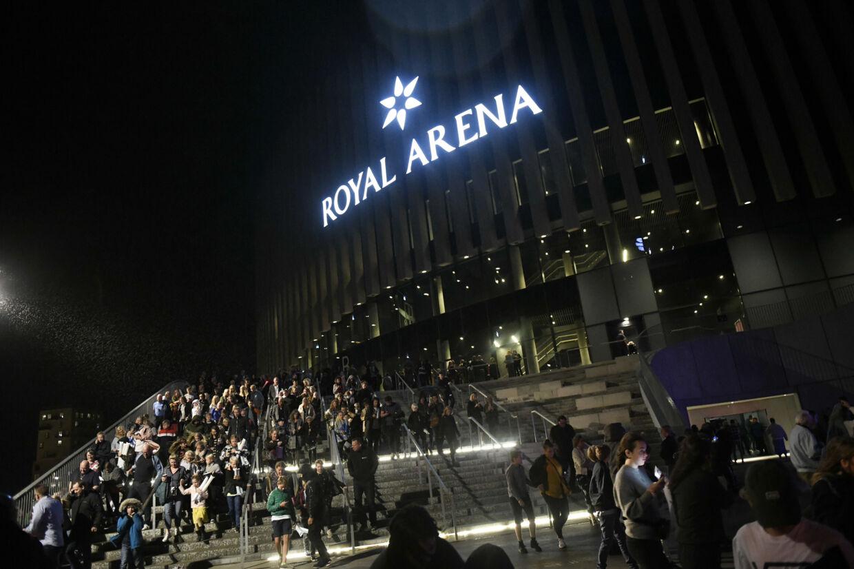 Der var ekstra drama i Royal Arena, da de største stjerner på sociale medier lørdag aften blev kåret ved det årlige Guldtube-show. Publikum blev gennet ud af arenaen som følge af en brandalarm. Den viste sig at være udløst af en overophedet popcornmaskine. Philip Davali/Ritzau Scanpix