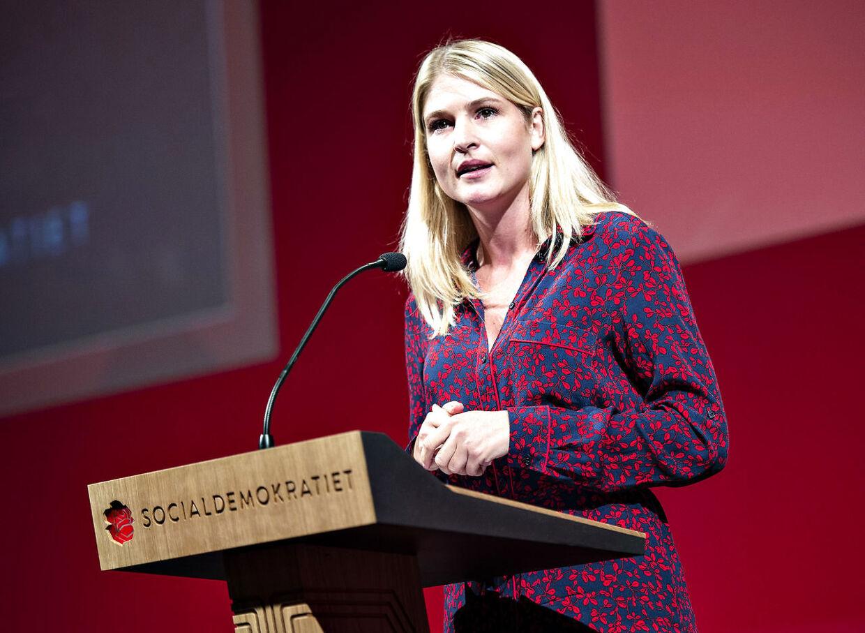 Borgmester i Holbæk Christina Krzyrosiak Hansen ses her på talerstolen ved starten på Socialdemokratiets kongres i Aalborg Kongres og Kultur Center lørdag 22. september 2018. (Foto: Henning Bagger/Ritzau Scanpix)